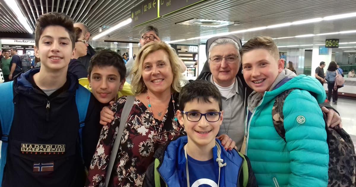 Dal 1 al 5 aprile si è svolto in Portogallo il secondo meeting del progetto Erasmus + M.A.U. (Maths Around Us) a cui hanno partecipato le due scuole del Polo con quattro ragazzi di Seconda Secondaria di 1° grado accompagnati dalle insegnanti, sr. Grazia Brogi e Gloria Lepori, insegnante di inglese e coordinatrice del progetto.