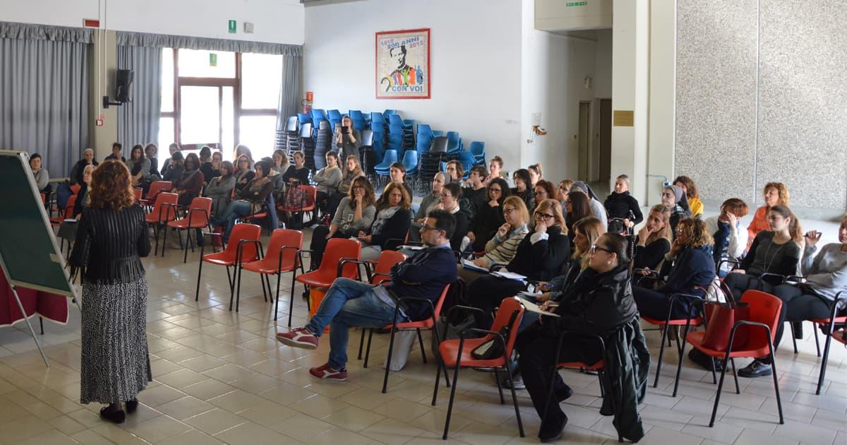 sabato 4 maggio si è svolto presso l'Istituto Santo Spirito delle Salesiane di Don Bosco un corso di formazione che ha coinvolto i docenti delle scuole dell