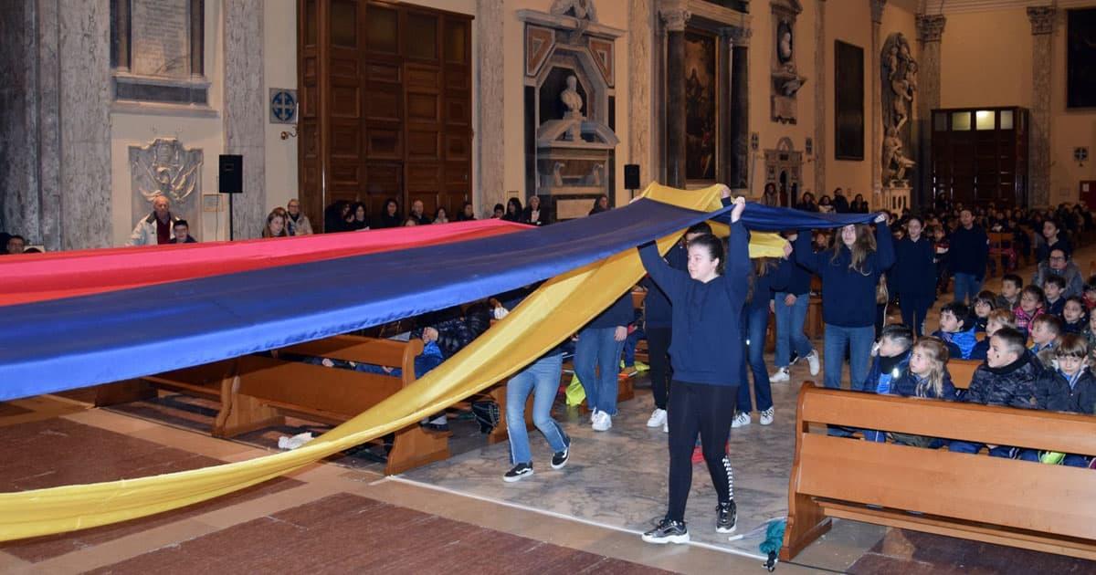 """""""Io sono la stoffa, lei, Don Bosco, sia il sarto… faccia di me un bell'abito per il Signore!""""… è stato questo il filo rosso che ha legato i vari momenti della Celebrazione Eucaristica, che, il 31 gennaio 2020, gli alunni delle Scuole Primarie e Secondarie di Primo Grado del Polo Scolastico delle FMA di Livorno […]"""